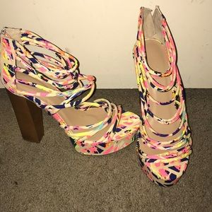 A pair of size 9 heels never been worn